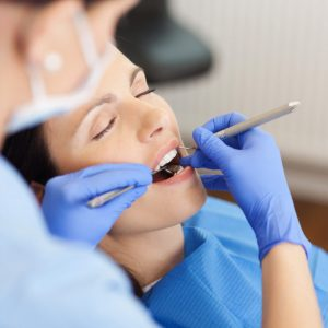 4 Signs That It's Time to See a Dentist